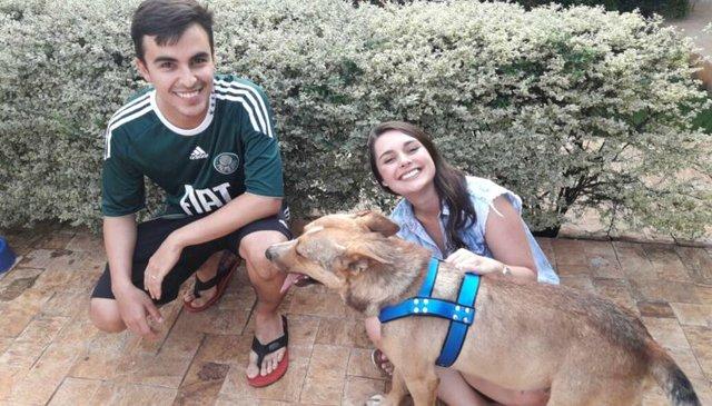 Dog Crashes Wedding – What Couple Does Next Will Amaze You