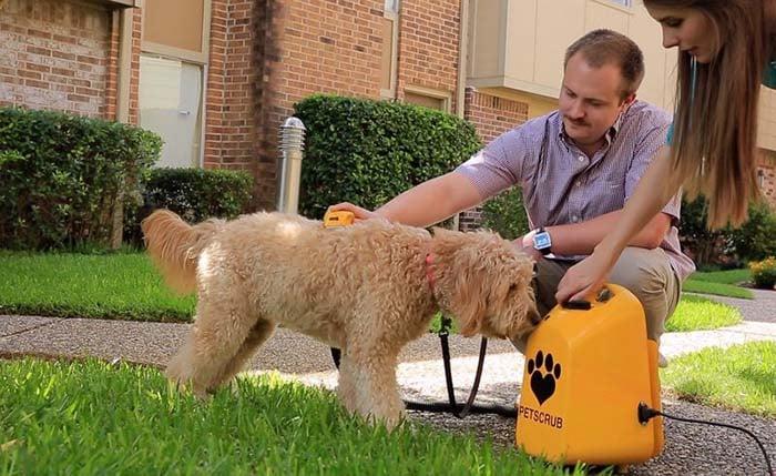 Deep-Cleansing Pet Bathers - PetScrub