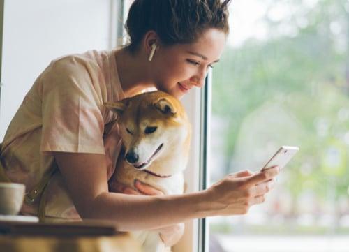 dog owner on social media